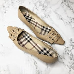 Burberry Leather Pointed Toe Buckle Tan Flats 37